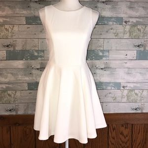 Lulu's skater dress white keyhole back       0185